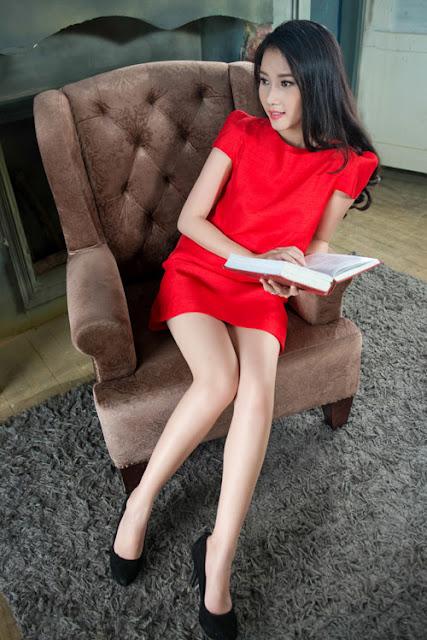 Bộ ảnh được thực hiện với sự hỗ trợ của photo Chí Linh. Trang phục: Doãn Thùy Nga.