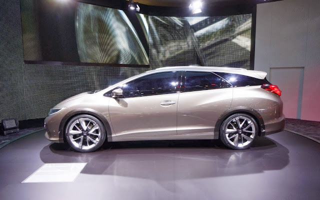 2014 Honda Civic Tourer Concept Photos
