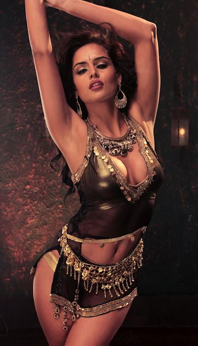nathalia kaur from department movie, nathalia kaur actress pics