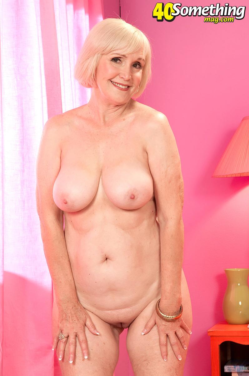 amateur girls shower nude