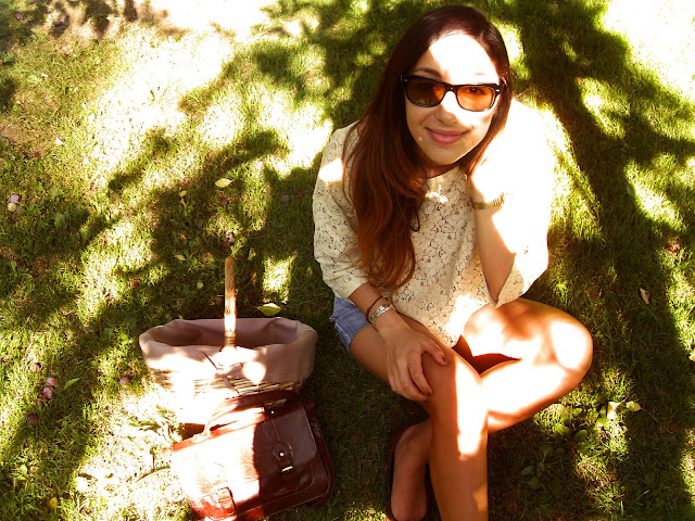 Gas handmade shorts, Lazzari lace blouse, Primark satchel bag, My grandmother's vintage sunnies, vintage, lace, Lazzari