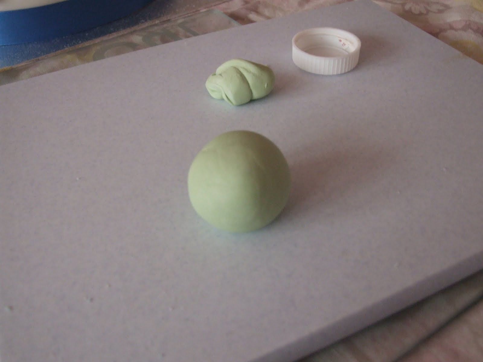 how to make sugar paste figures