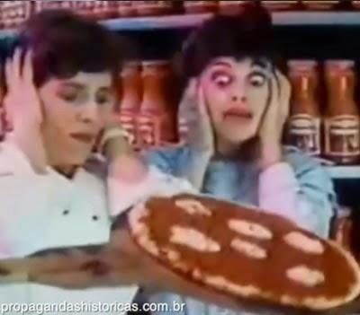 """Propaganda da Cica para promover o molho Pomarola, em 1988. Jingle marcante na época """"Hoje é dia de Pomarola""""."""