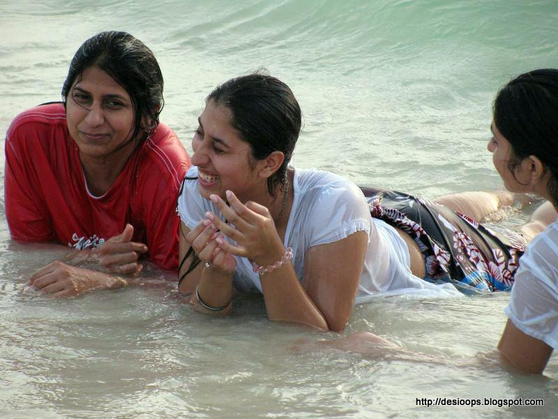 Desi Hot Indian Girls
