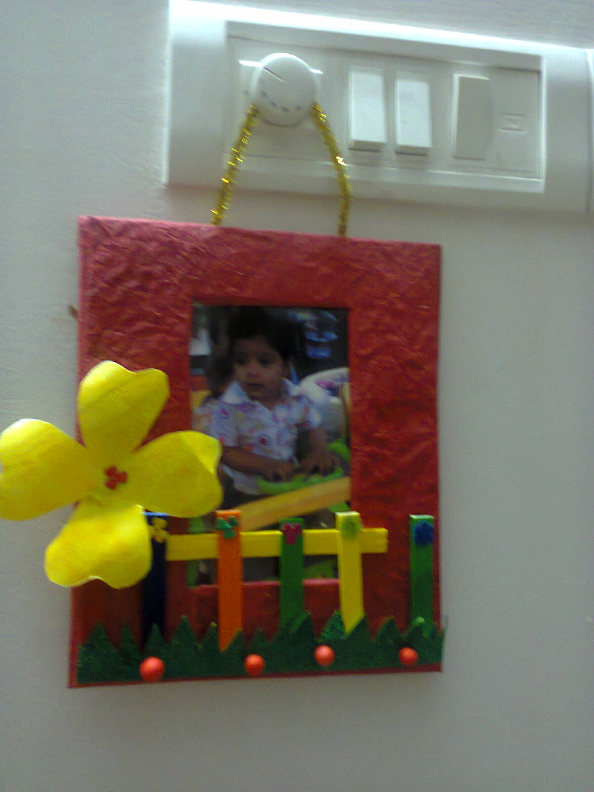 Craftis corner photoframe ice cream coloure sticks for Best out of waste ideas from ice cream stick