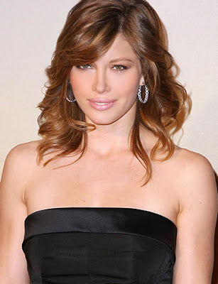 jessica_biel_looking_hot_wallpaper_sweetangelonly.com