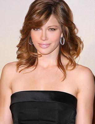 jessica_biel_looking_hot_wallpaper_sweetangelonly.com
