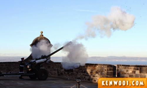 edinburgh castle one oclock gun