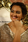 Sonakshi Sinha at Lingaa Audio-thumbnail-3