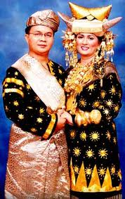 Pakaian Adat Pengantin Minangkabau | Rumput Liar