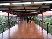 menuju ruang tunggu Terminal 1 Bandara SoekarnoHatta (bandara soekarno hatta)