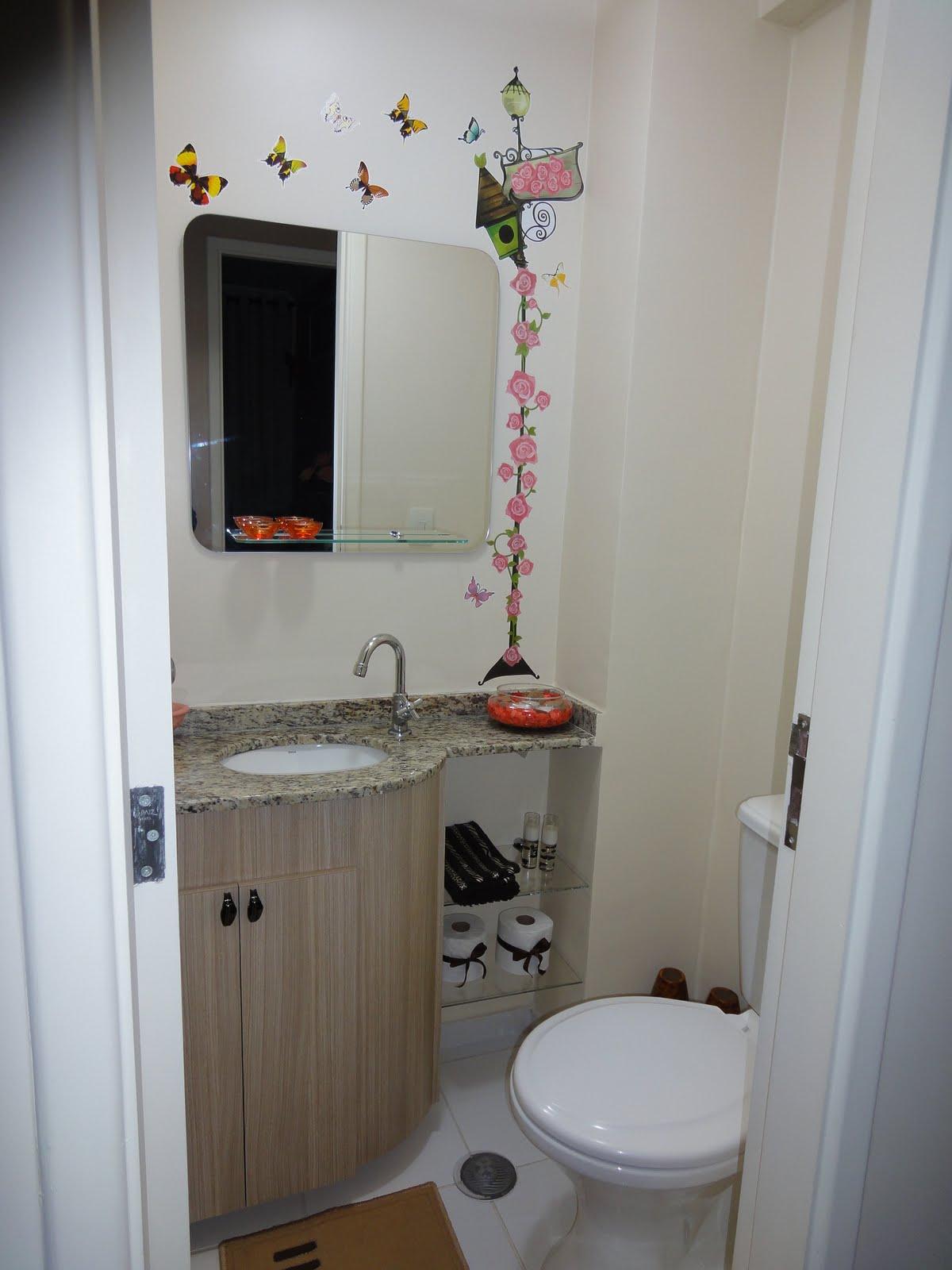 Banheiro Suíte: produtinhos da hora do banho e lá vamos de  #5E4C3F 1200x1600 Acessórios Banheiro Rua Paes Leme