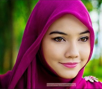 Hijab style maquillage simple