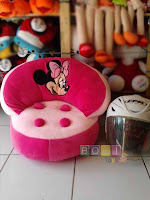 Sofa kerang boneka minnie mouse
