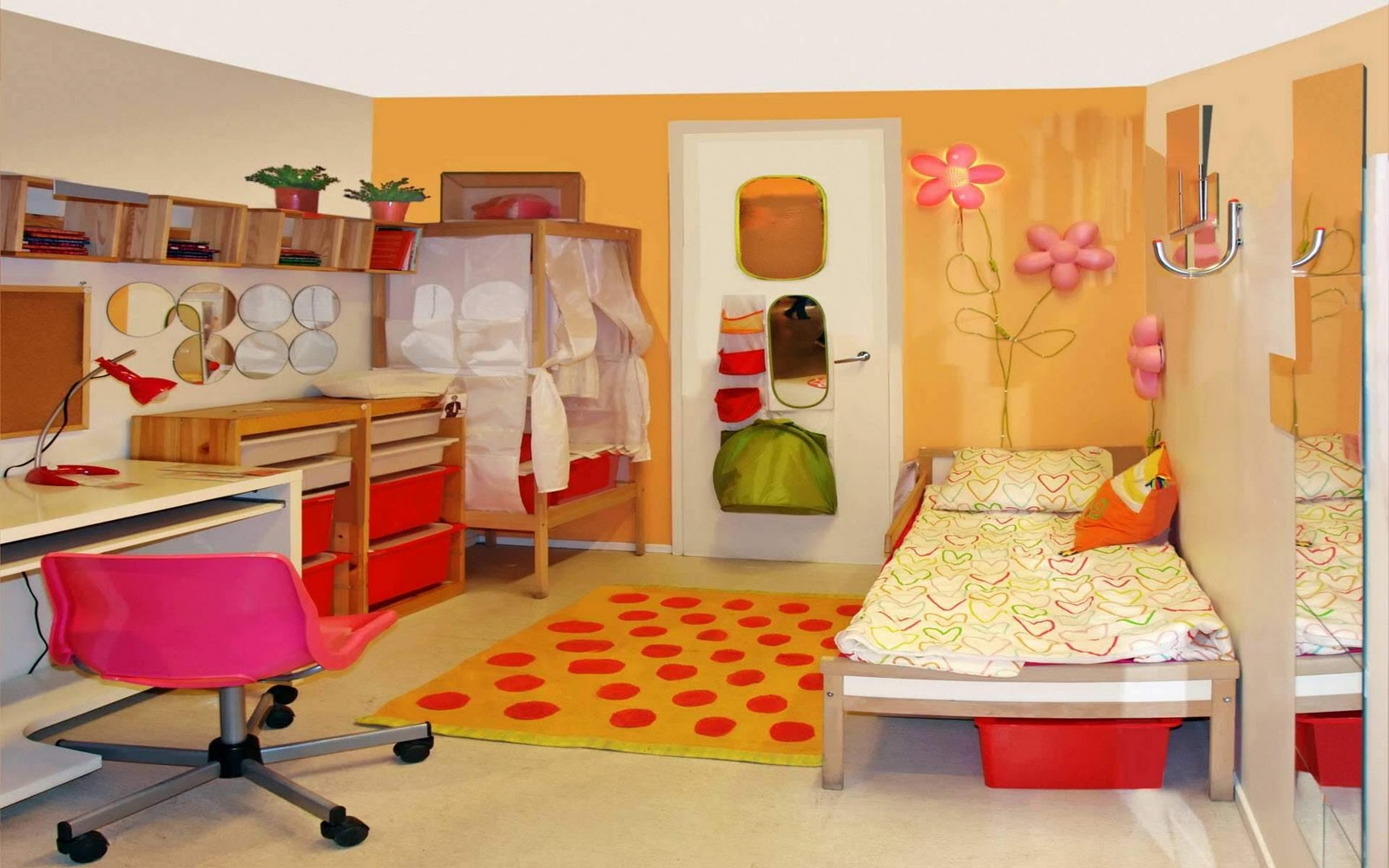 Wallpaper wallpaper ideas for kids room for Beautiful room design pics