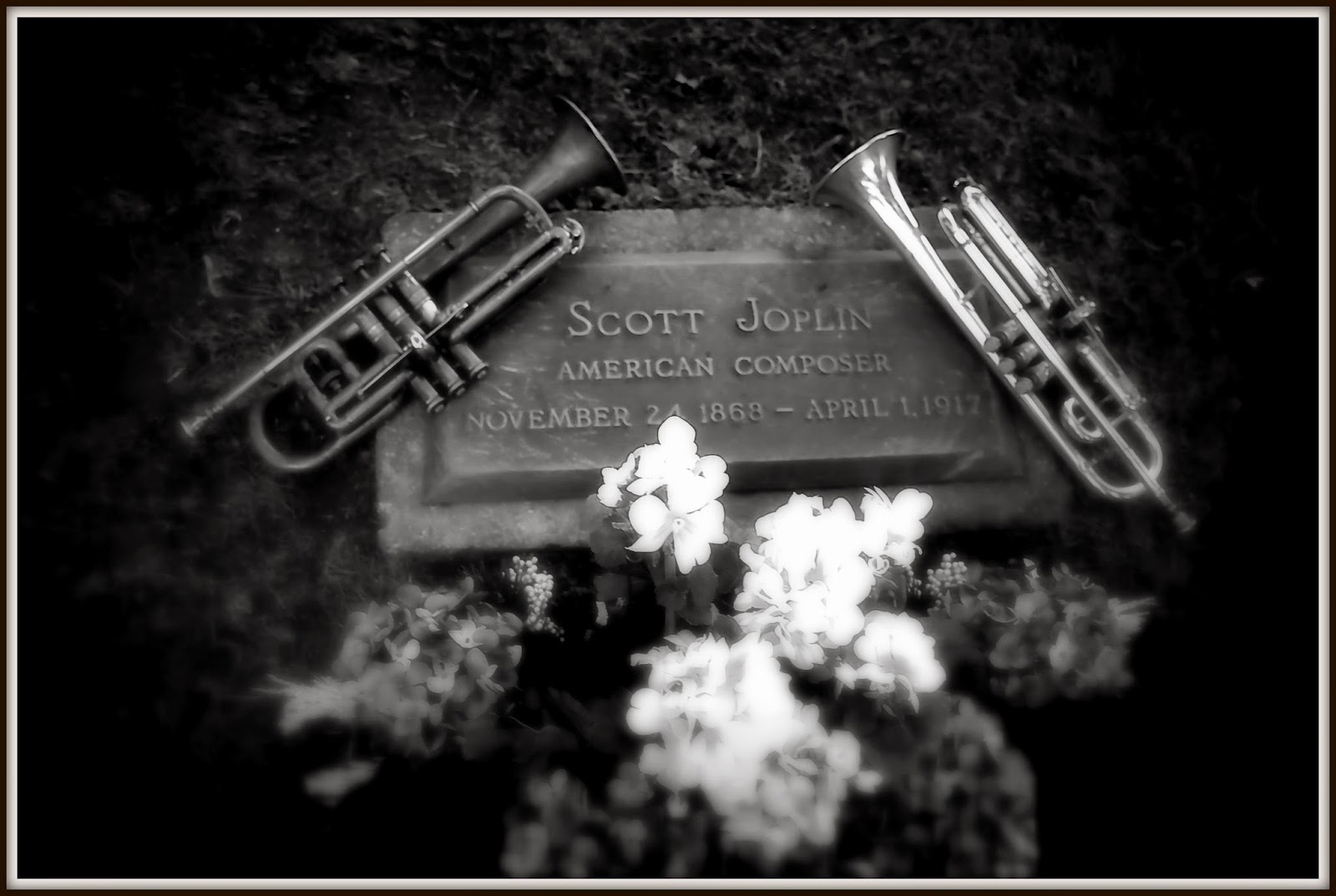 Scott Joplin's Grave SIte (click for the album link)
