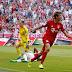 Com dois de Müller, Bayern derrota o Leverkusen e assume a liderança