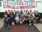 """""""Coro de la Innovación"""" con bandera de 25º Aniversario"""