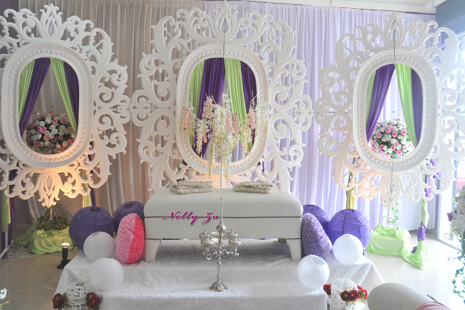 Posted by Butik Pengantin Nelly Za at 5:28 PM | Labels: Pelamin |