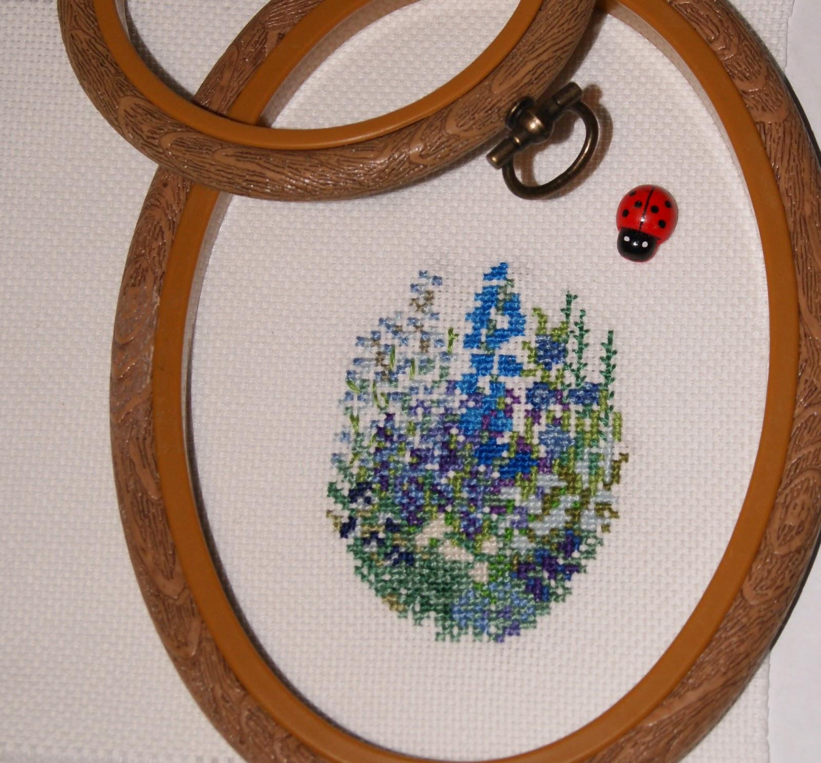 вышивка, миниатюра, цветы, вышитые цветы, вышиваю крестиком, вышивать, купить вышивку, ручная работа, оформление вышивки, вышитые картины, вышивка в голубой гамме, вышивка синие цветы, мини вышивка