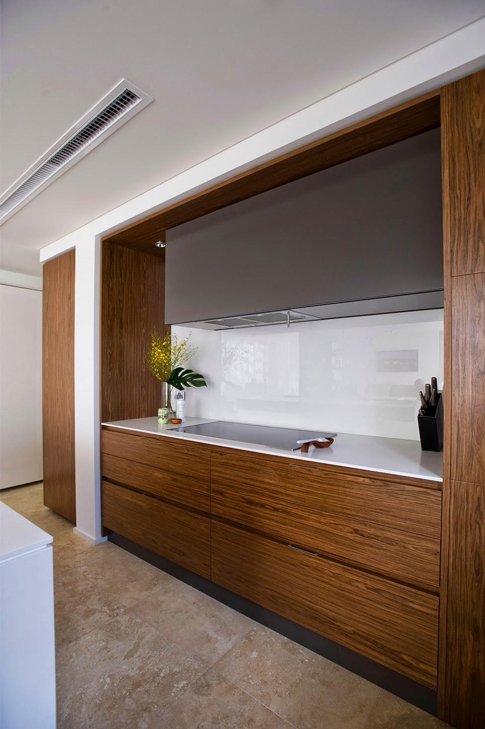 Скрытая на кухне 2 фотография