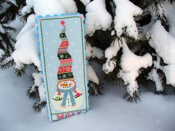 Snowman Trio - Michelle Lutzen - Stitchy Kitty Вышивка крестом - Снеговички Willy Оформление - Пинкип Светится в темноте