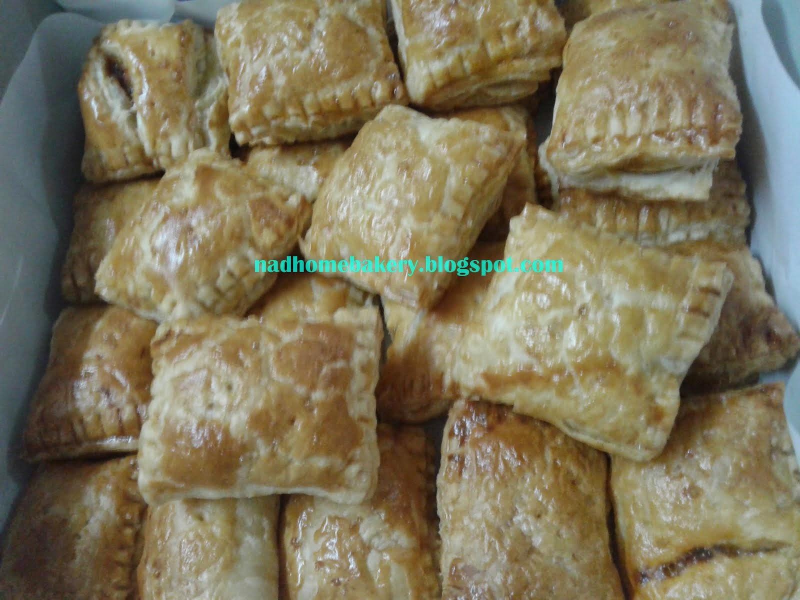 MINI PUFF    (Sardine / Ayam )