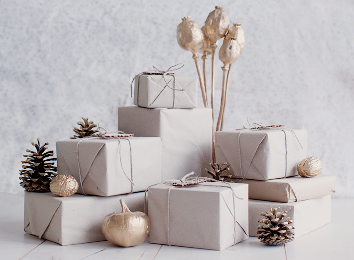 http://www.79ideas.org/2012/11/two-simple-wrapping-christmas-ideas.html