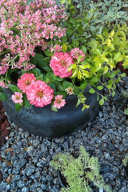 Spring and easter theme ideas inspiration no 2 more for Spring garden ideas