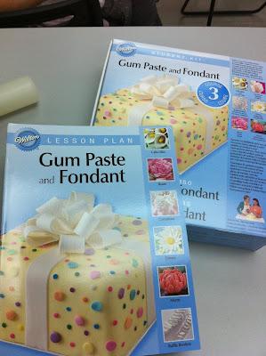 Wilton Cake Classes Hemet Ca : Home May de Cakes: Wilton Cake Decorating Course 3 : Gum ...