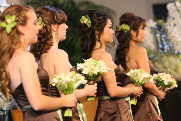 Причёска для гостьи на свадьбе