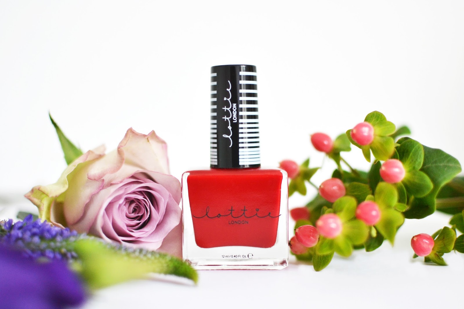 classic red nail polish, icon-o-holic by lottie london