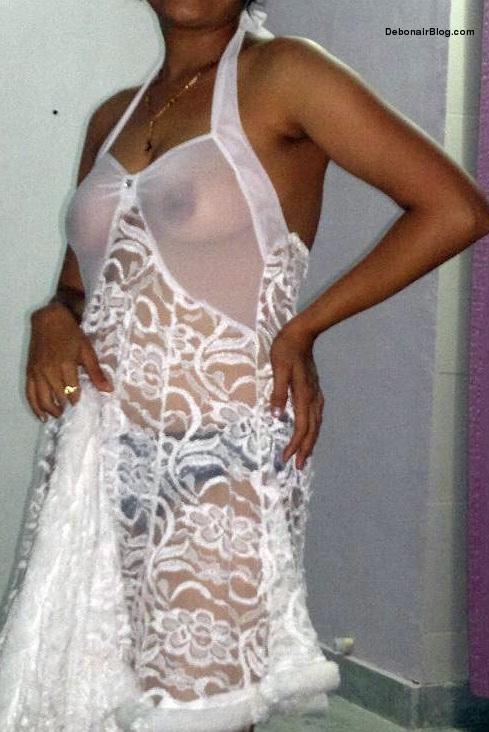 White Saree Hot Aunty