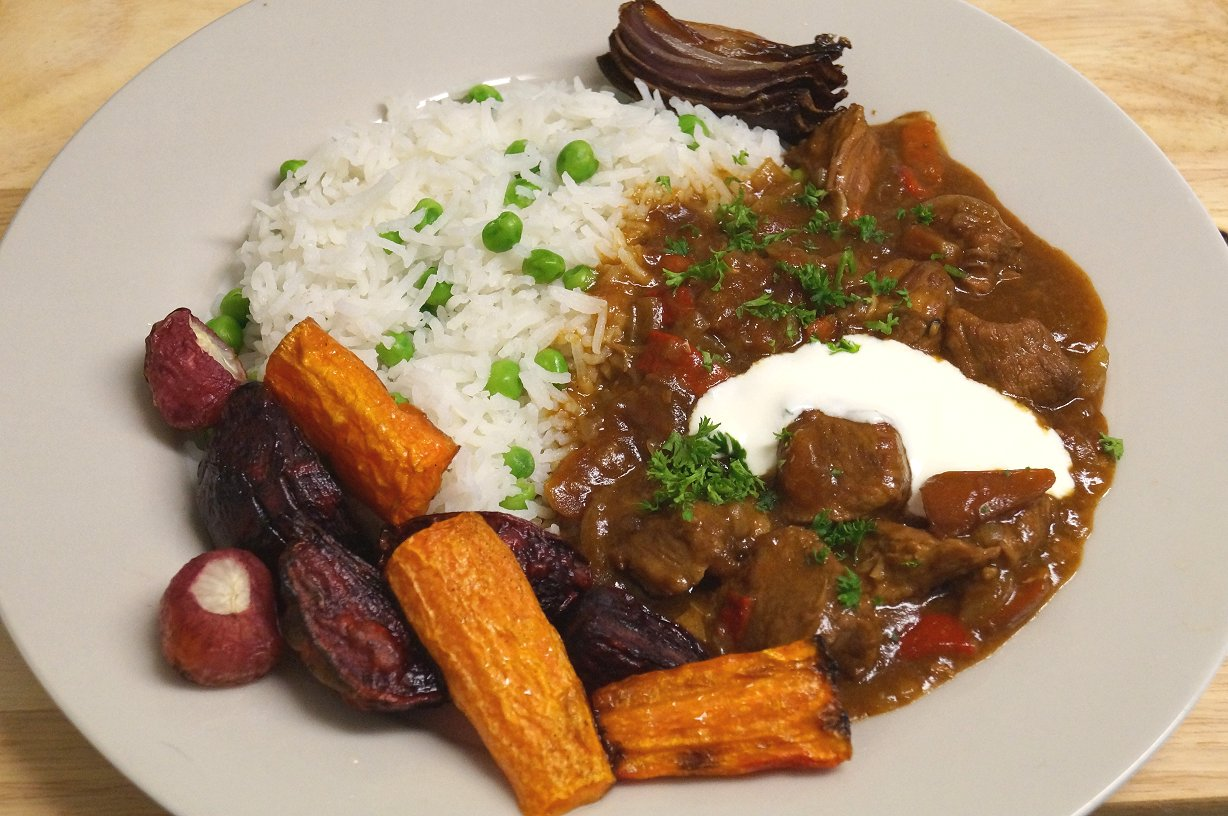 Simple Slow Cooker Beef Goulash But With Loads Of Flavour