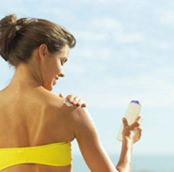Make Natural Sunscreen Lotion at Home