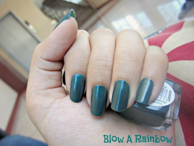 Blow a Rainbow: Green Tea Nails