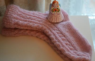 Розовые носочки для дочки