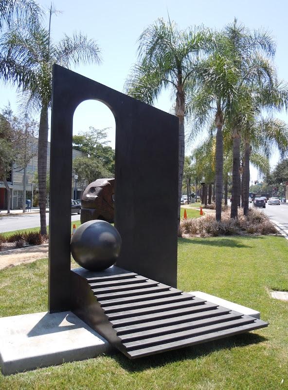 Teatro XVIII sculpture WEHO