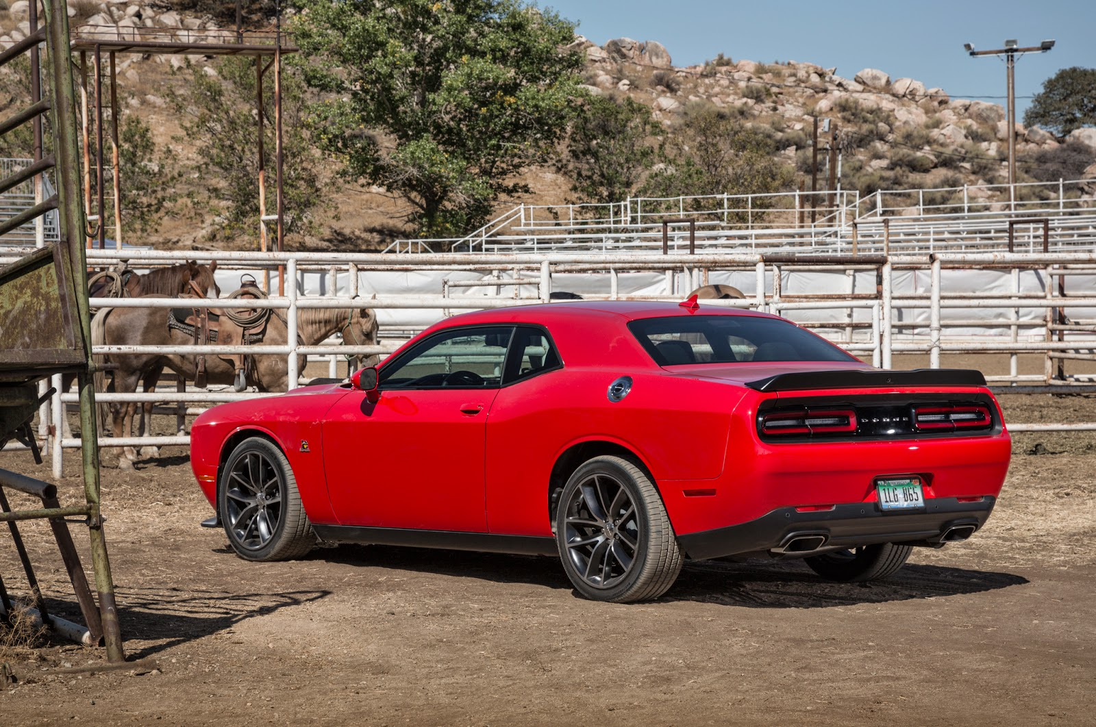 Review 2015 Dodge Challenger R/T Scat Pack 6.4L Manual