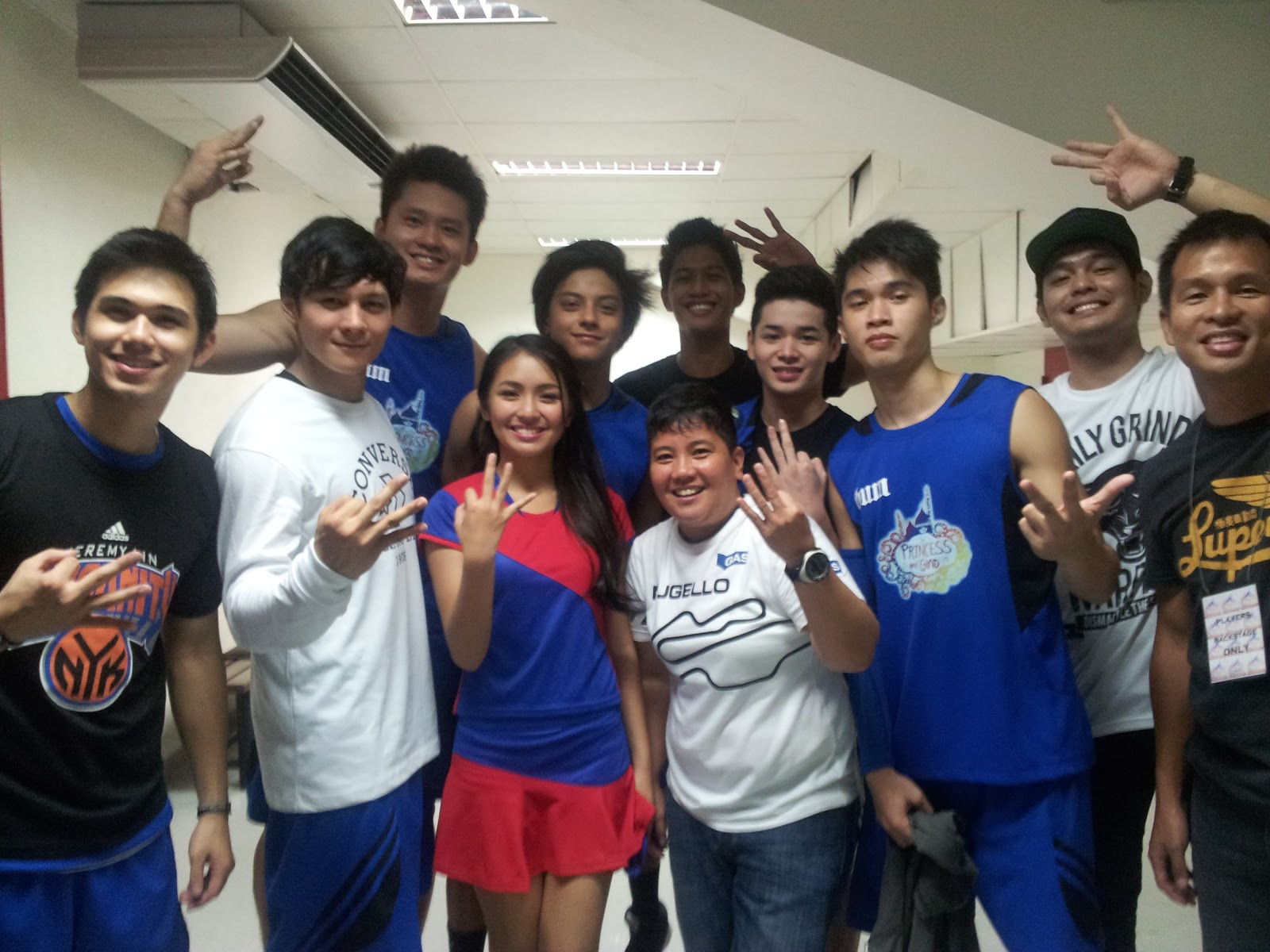 Kathryn-Bernardo-and-Daniel-Padilla-with-Team-Gino-the-winners-of-the