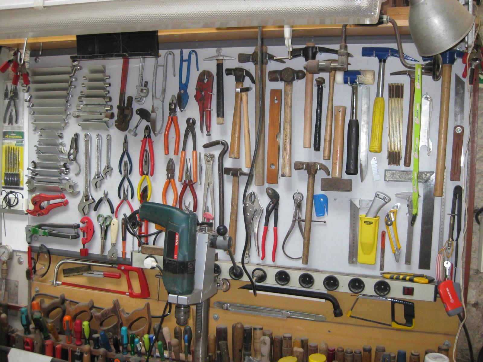 Bricolaje oficios y otras cosas mi taller - Tablero de herramientas ...