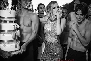 بيلا ثورن في صور رائعة لمجلة Flaunt Magazine 2015