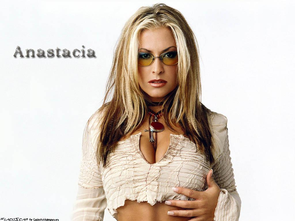 http://3.bp.blogspot.com/-cOVz3e3ypZQ/TjJIHJtuDCI/AAAAAAAACuo/2UJz0mu0JsI/s1600/anastacia_10.jpg