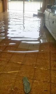 banjir rumah adik