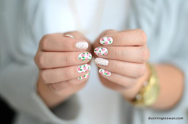 Cath Kidston Nails White Flowers Roses