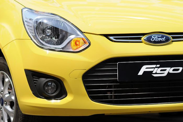 New Ford Figo variant-wise pricing: 2012 FORD FIGO PRICE 2012 FORD FIGO PETROL MODELS 2012 FORD FIGO 1.2 Duratec Petrol LXI 3.85 lakh 2012 FORD FIGO 1.2 Duratec Petrol EXI 4.23 lakh 2012 FORD FIGO 1.2 Duratec Petrol ZXI 4.53 lakh 2012 FORD FIGO 1.2 Duratec Petrol Titanium 5.02 lakh 2012 FORD FIGO DIESEL MODELS 2012 FORD FIGO 1.4 Duratorq Diesel LXI 4.82 lakh 2012 FORD FIGO 1.4 Duratorq Diesel EXI 5.21 lakh 2012 FORD FIGO 1.4 Duratorq Diesel ZXI 5.51 lakh 2012 FORD FIGO 1.4 Duratorq Diesel Titanium 6.00 lakh