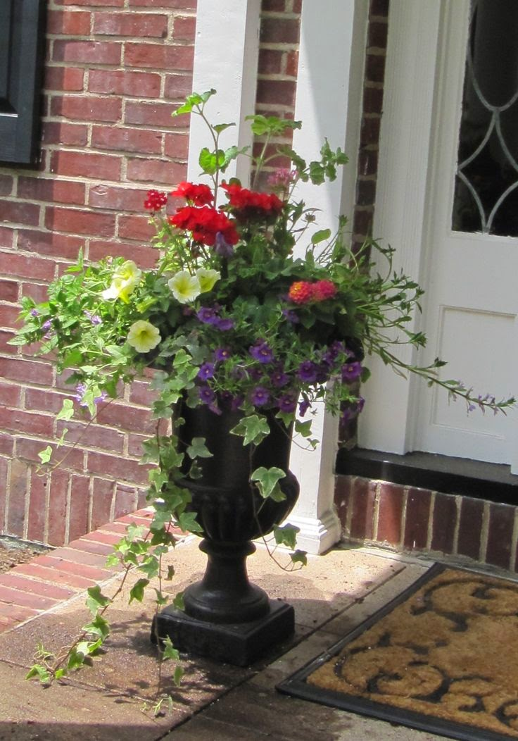 1000 images about garden containers on pinterest yard for Container gardening ideas