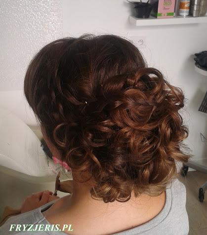 Upięcie na bardzo długich włosach - zdjęcie