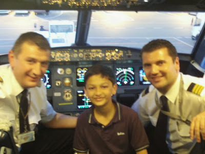 blog, airline, avgeek, aviation, cockpit, 737