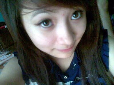 Girl xinh mắt to mũi cao da trắng tóc đen